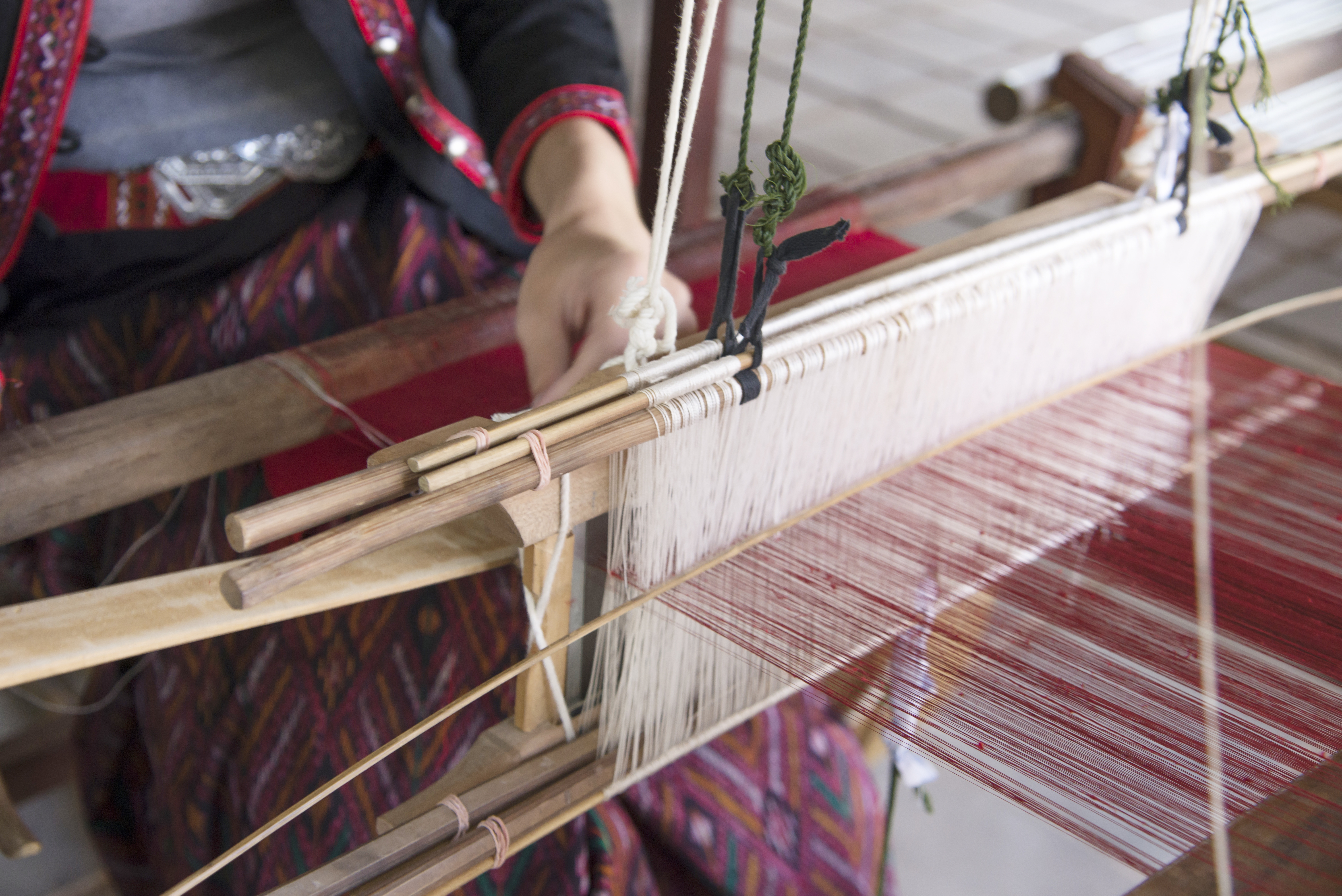 Discover the Magic Behind Dhurrie Rugs