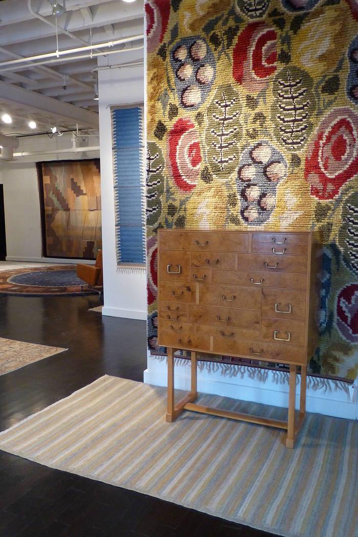 20th century carpets at wright %2810%29