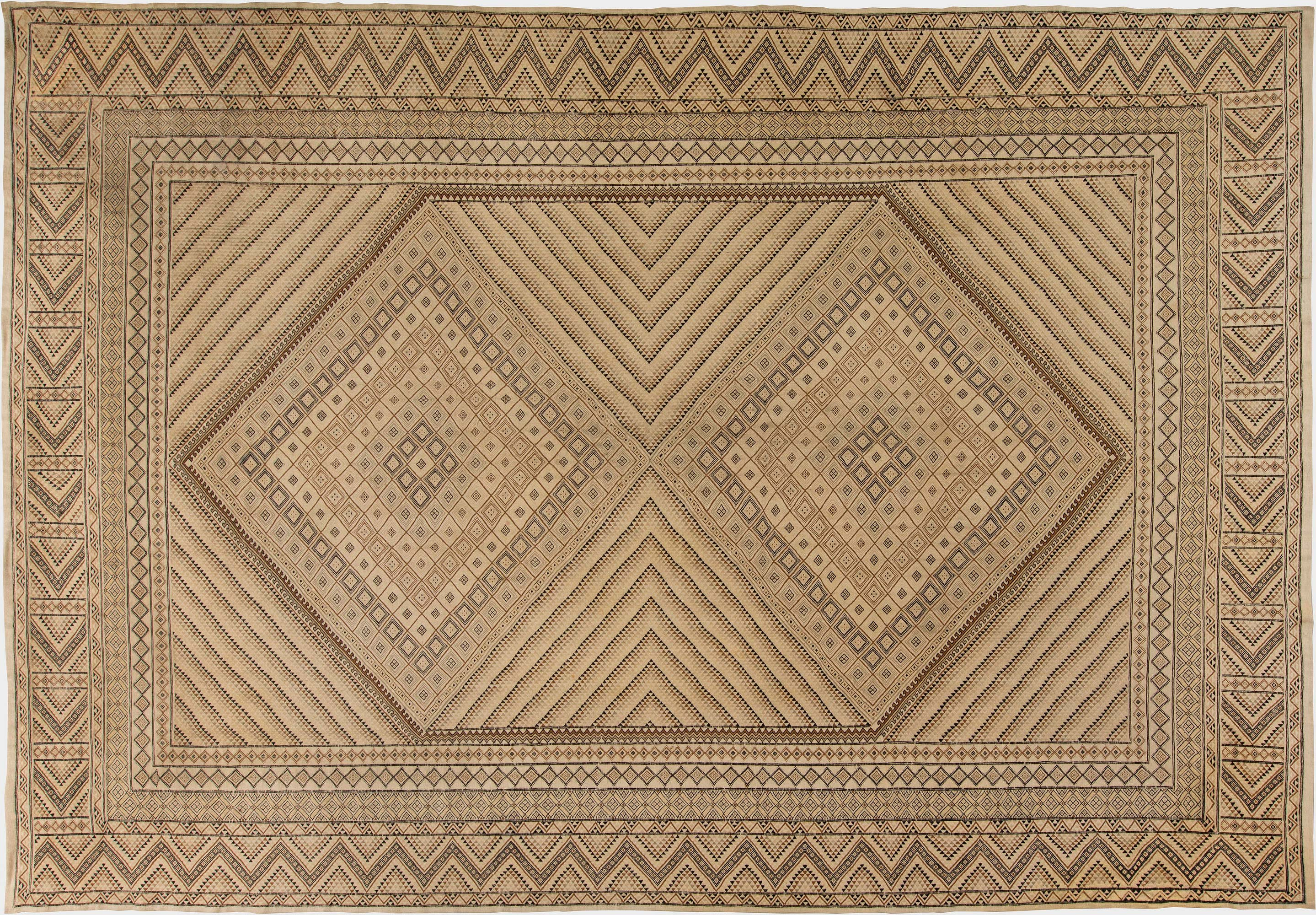 Hand Knotted Wool Kilim Rug
