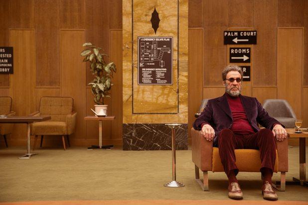 homem de cadeira