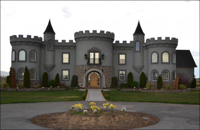 120423_Castle_House1