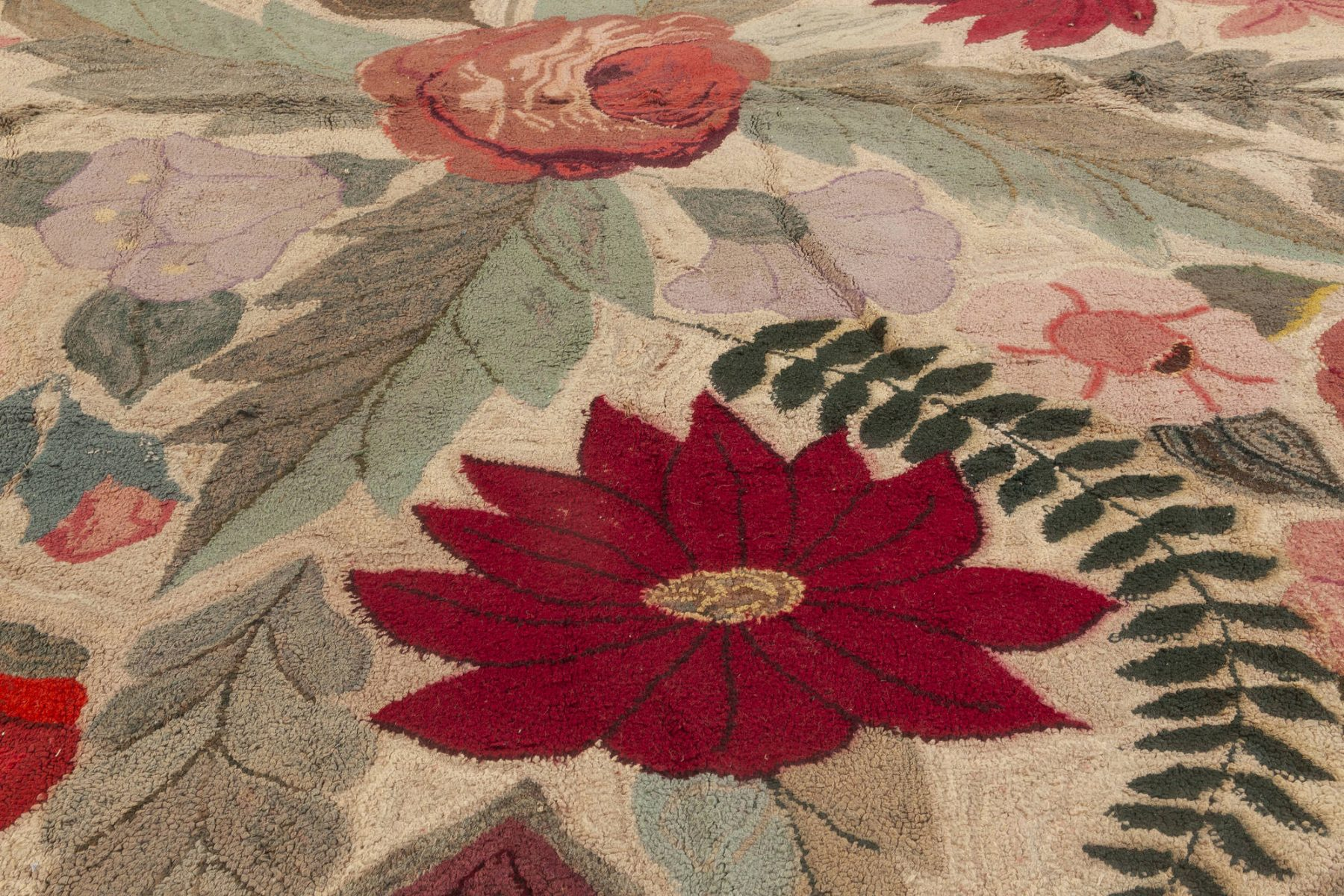 Vintage American Hooked Colorful Floral Handmade Wool Rug BB7396