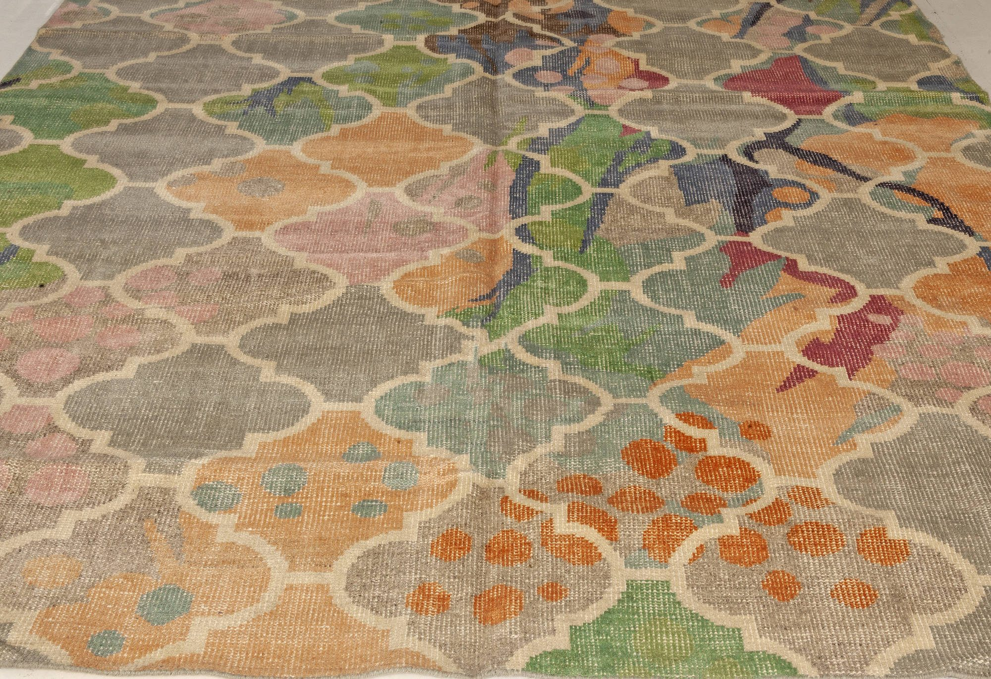 Traditional Design Multicolored Hand Knotted Wool Rug N11264