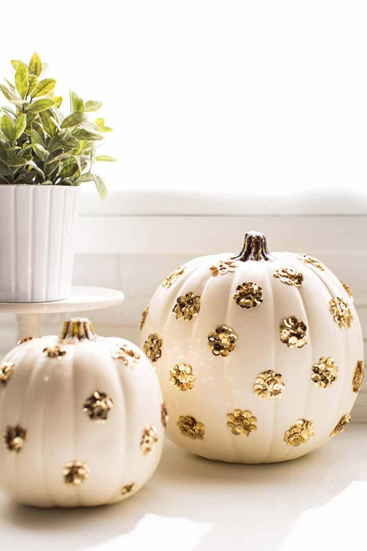 Scary & Stylish: Glamorous Halloween Decor 46