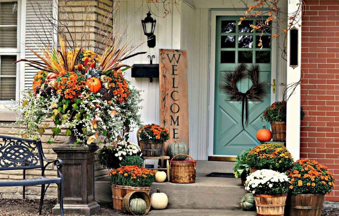outdoor porch autumn decor