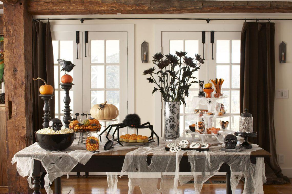 Halloween interior decori deas party dining room