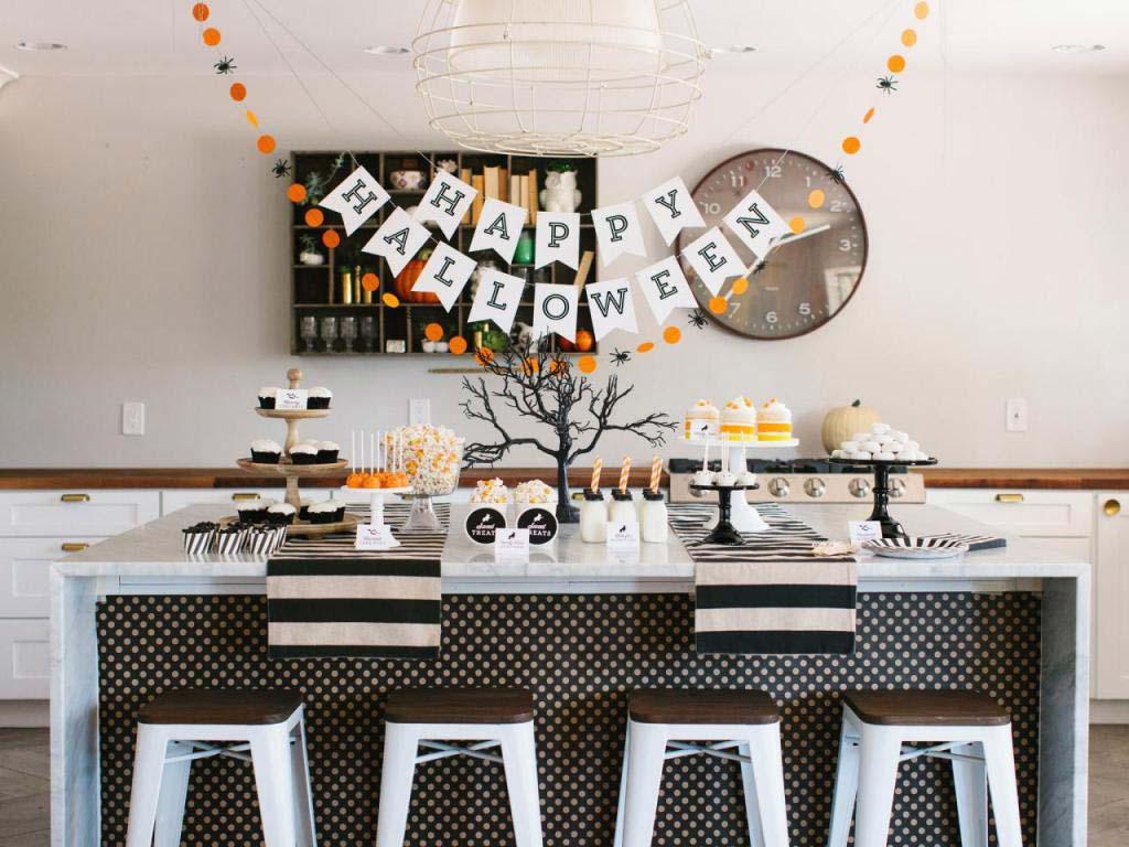 Halloween interior decor dining-table
