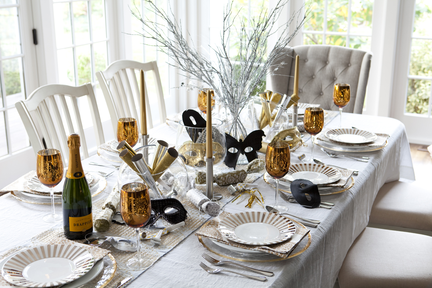 glam party decor for a new year s eve