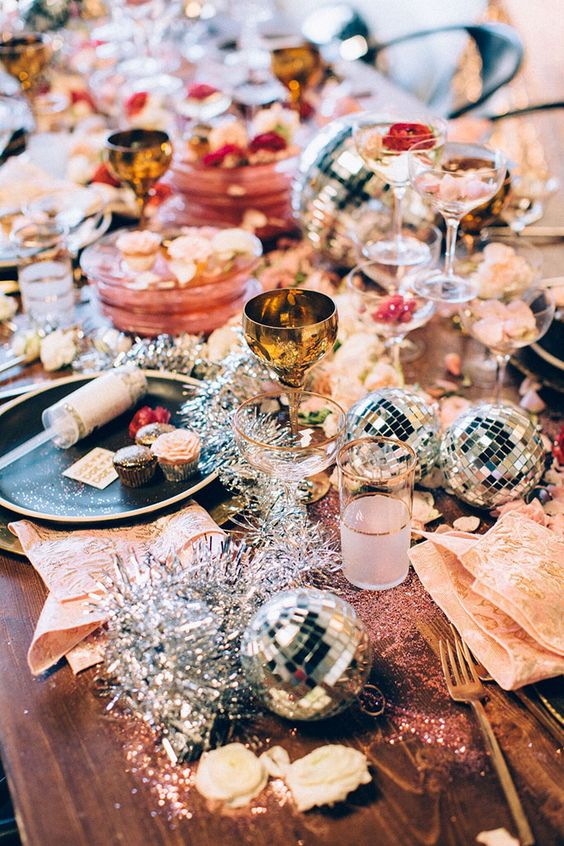 Glam Party Decor for a New Year's Eve! 12