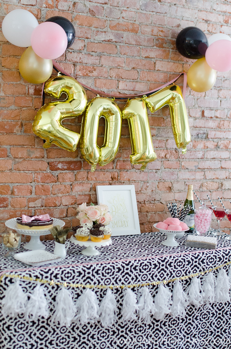 Glam Party Decor for a New Year's Eve! 19
