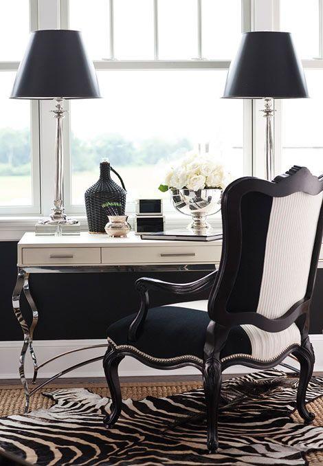 fresh flowers in living room, fresh flowers interior decor, bar cart elegant modern interior decor, elegant living room, glamour interior, white Moroccan rug