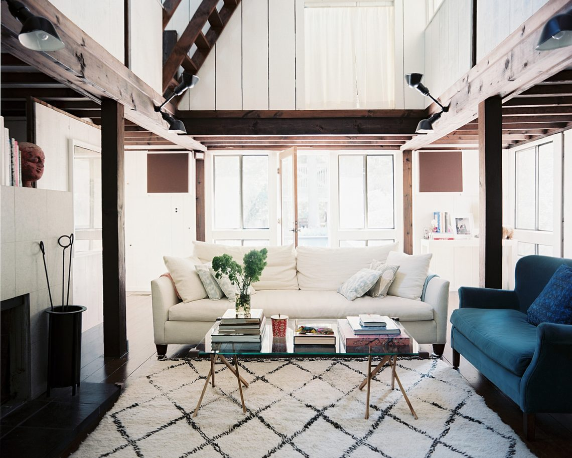 moroccan rugs, moroccan rug, white living room, glamour living room, elegant interior, white interior