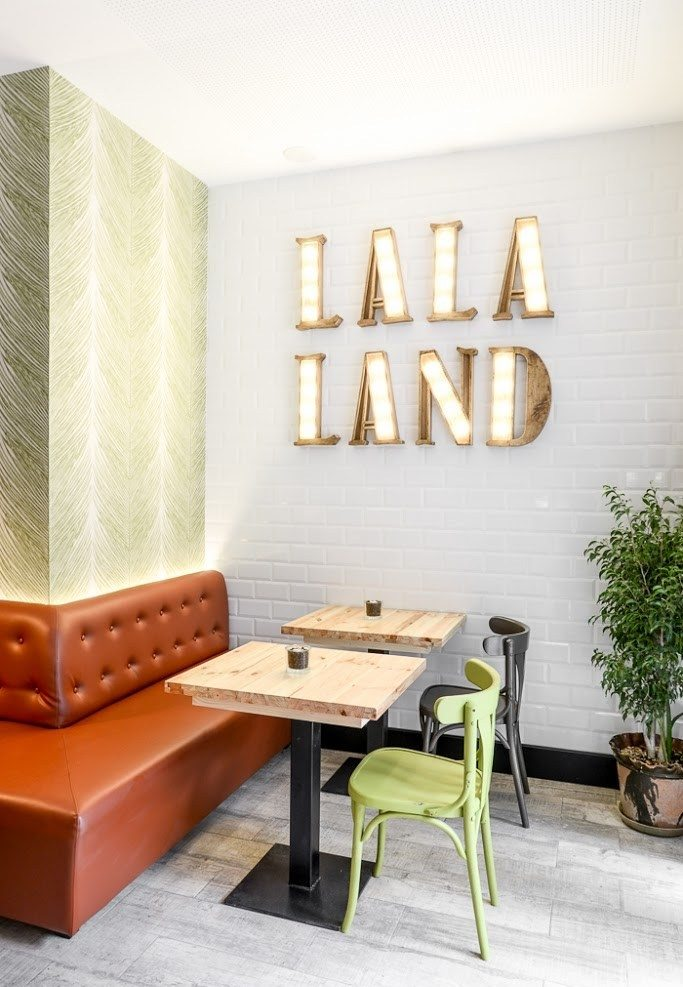 5 Ways to Jazz Up Your Interior with 'La La Land' Retro Charm 34