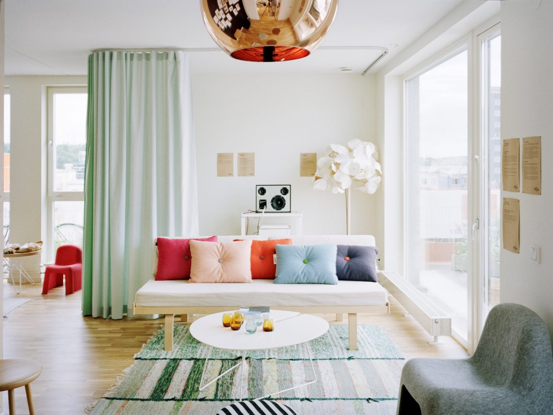 Eclectic-Living-Room-Decor, pastel living room, colorful interior, colorful living room