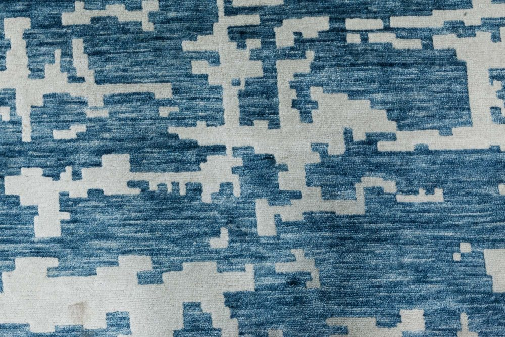 Contemporary Oversized Aqua Element Rug in White and Blue Shade N11580