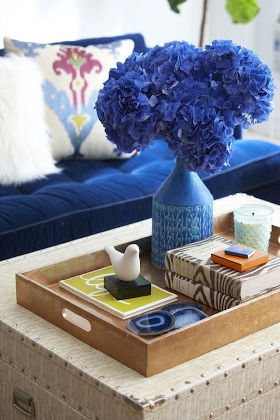How to style a coffee table like a professional 9