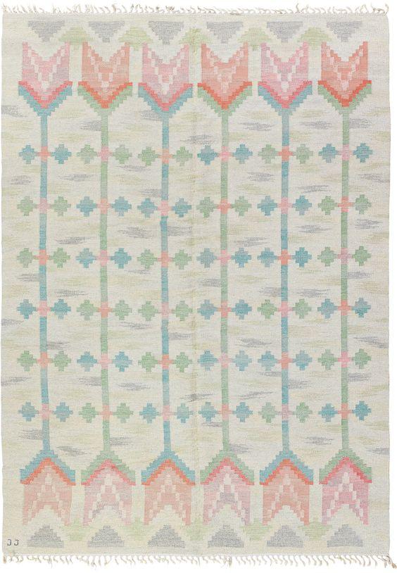 Scandinavian rug, Scandinavian rugs, floral rug, floral rugs, flower pattern rug, Scandinavian decor, Scandinavian interior, pastel rug