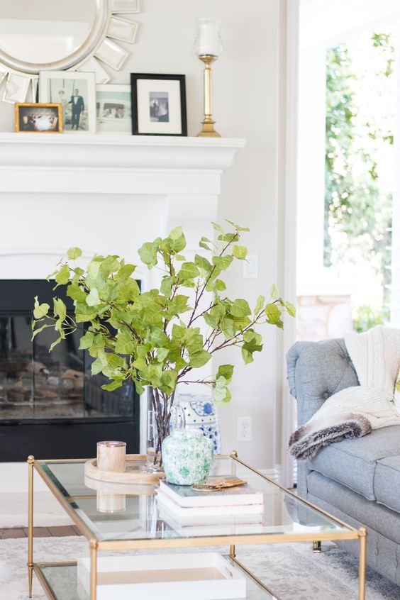 How to style a coffee table like a professional 1