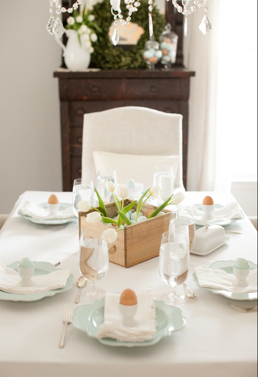 5 Tips for Setting Up the Perfect Easter Table 4