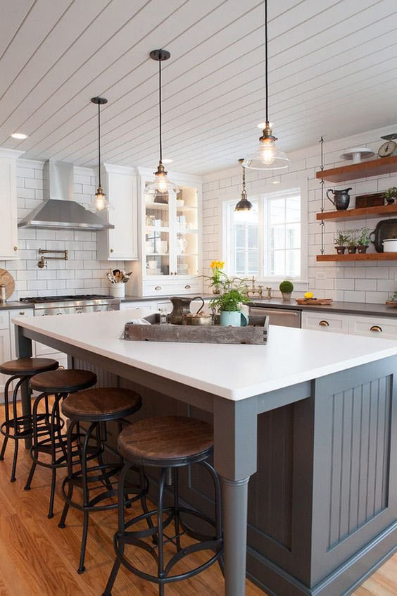 farmhouse kitchen, rustic dining room