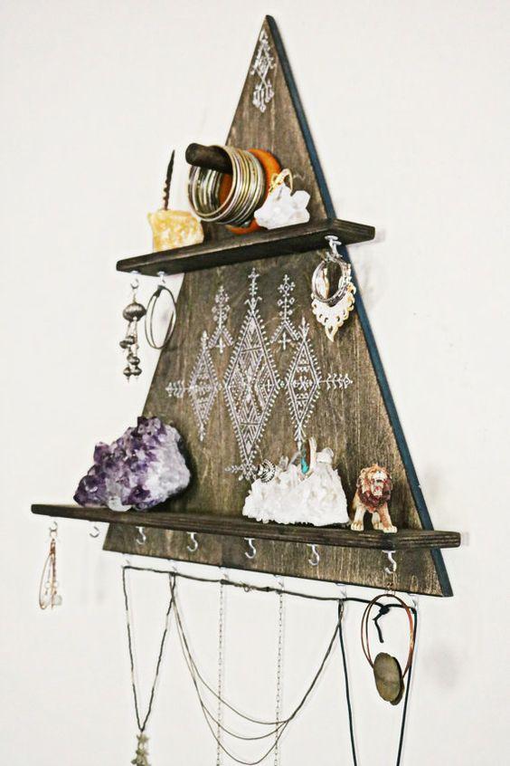 home decor tricks, jewellery hanger