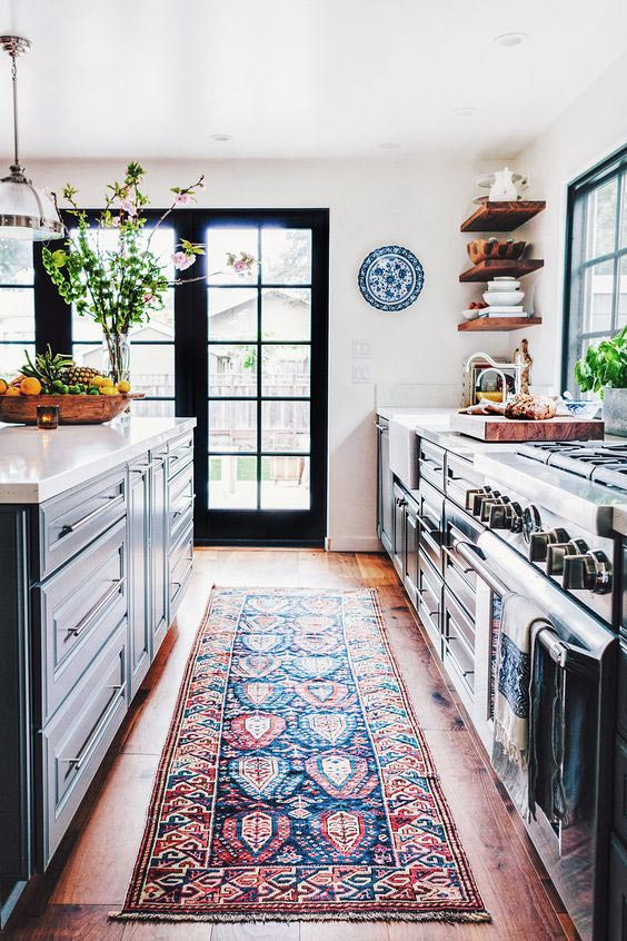 5 Ways to Style an 'Anne with an E' Inspired Farmhouse Kitchen 23