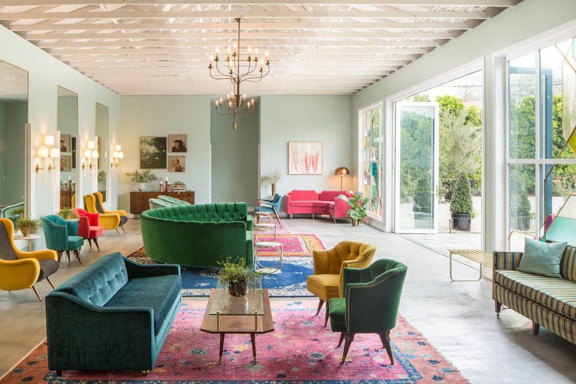 vintage rug in living room, colorful rug