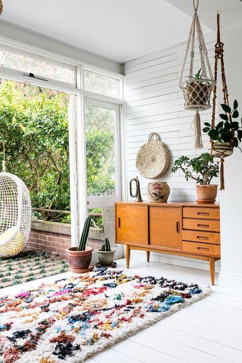 vintage rug in living room, colorful rug, boho interior rug