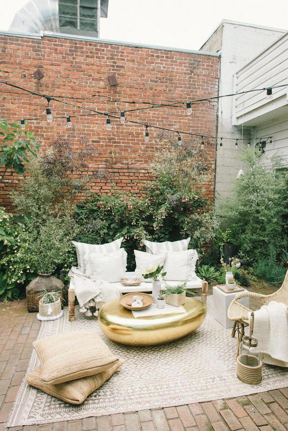 Top 5 Ideas for the Perfect Outdoor Patio - Living Room 11