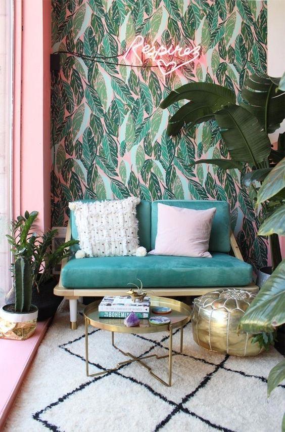 california cool decor, boho interior, vintage rug, beach house