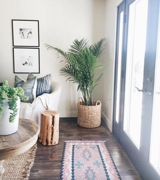 california cool decor, boho interior, vintage rug,