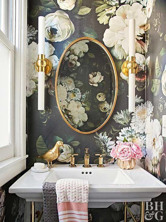Moderno-victoriano-barhtoom-floral-papel