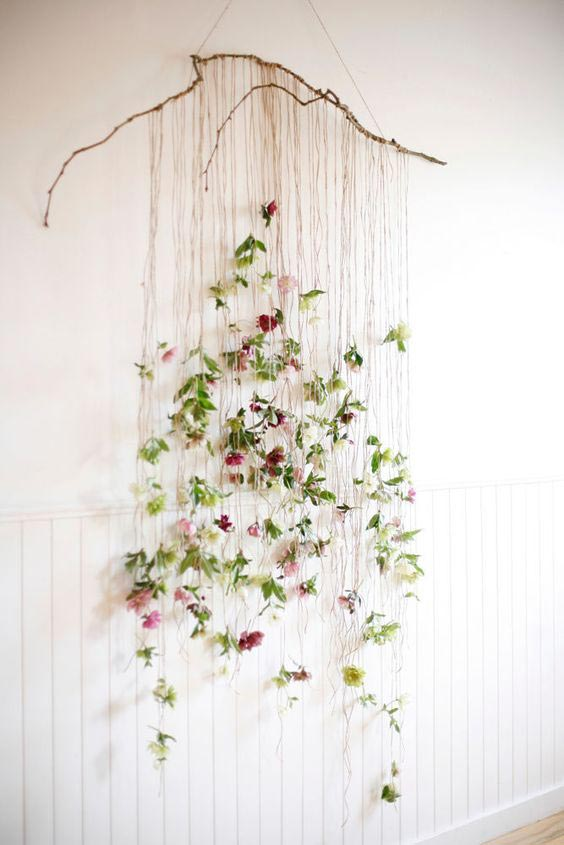 hanging-wall-florals-DIY-Projekt
