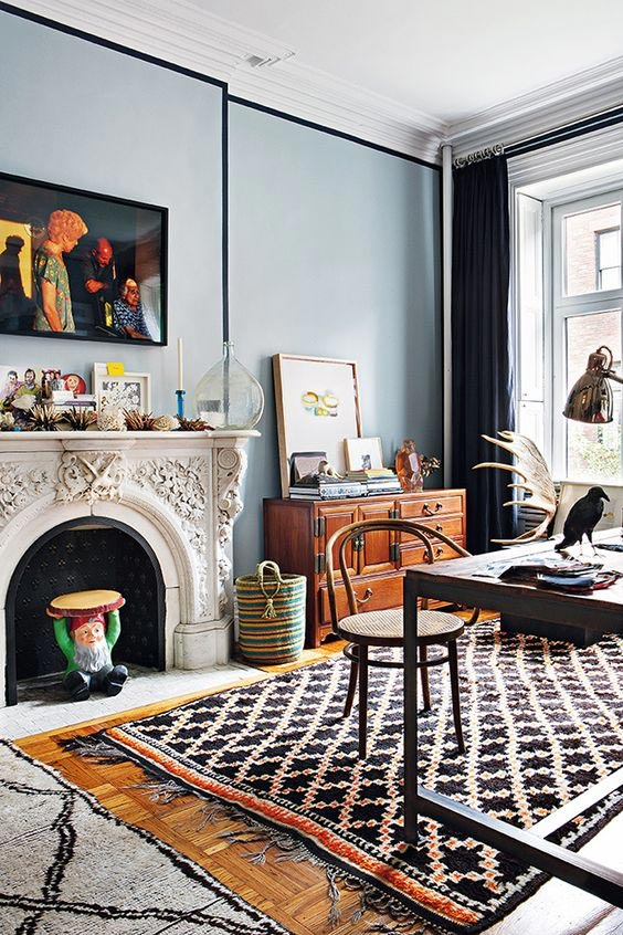 geometric-rug-in-the-living-room