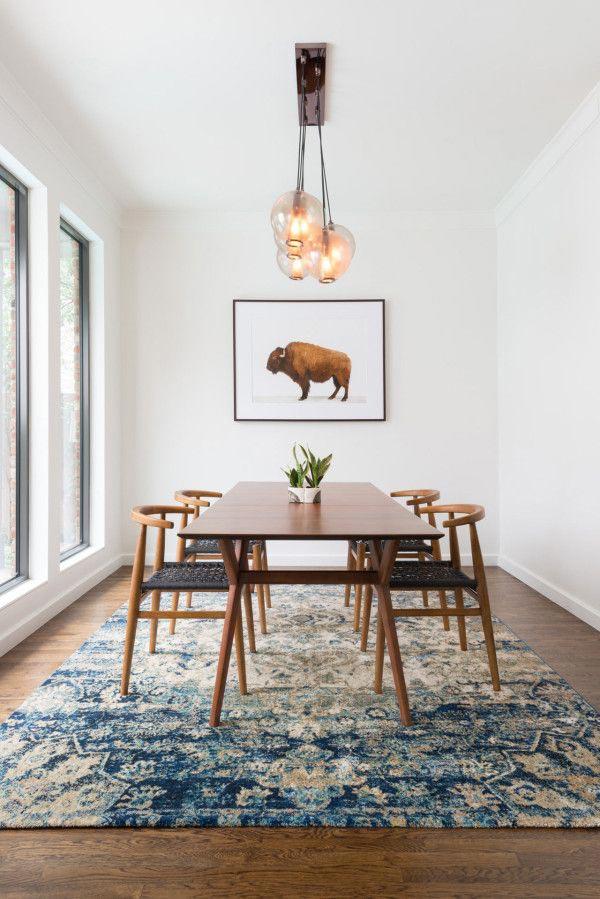 /oriental-rug-in-dining-room.