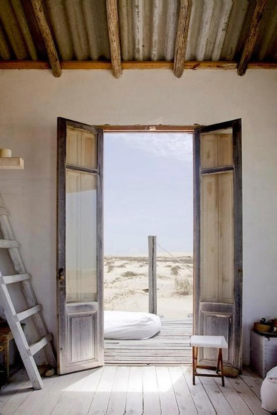 wabi-sabi-beach-house-decor