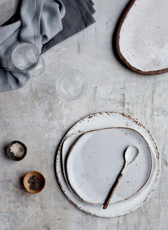 wabi-sabi-handmade-pottery-decorations.