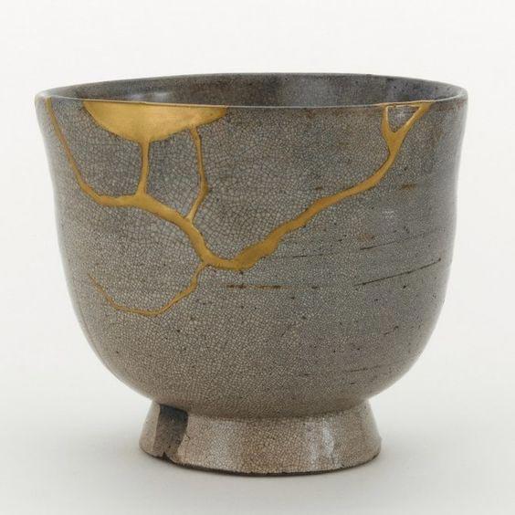 wabi-sabi-pottery-decorations