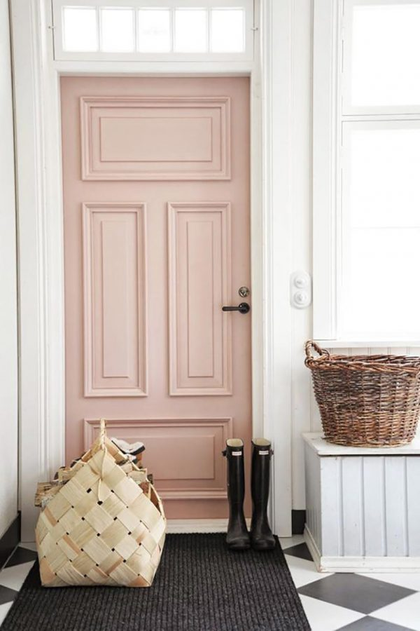 2018-interior-decor-trends-colorful-doors