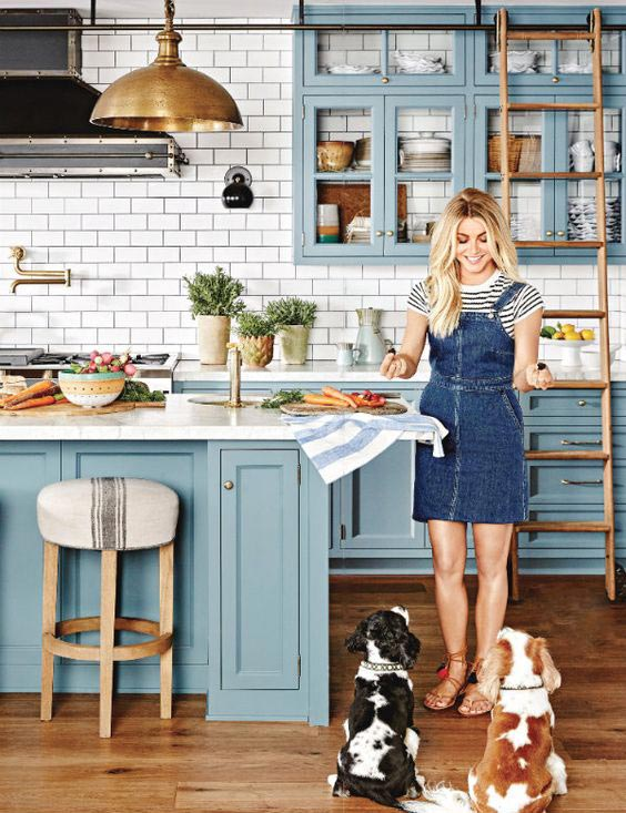 interior-decor-trends-2018-blue-kitchen-cabinets.j