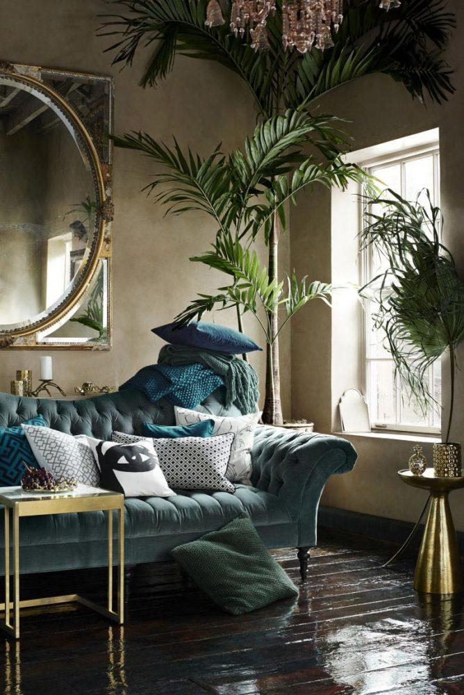interior-decor-trends-2018-velvet-sofa-emerald-green-living-room.j