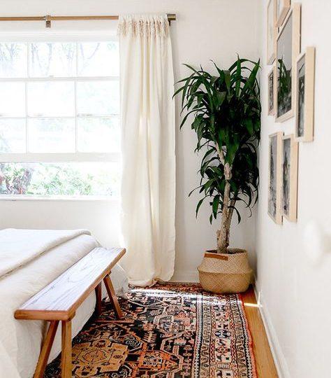 Encontrar um tapete persa para tornar o seu quarto maior