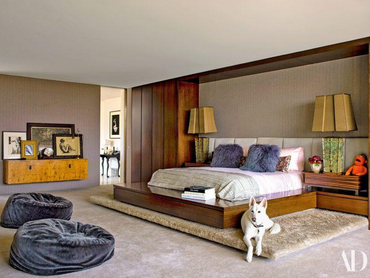 area-rug-in-jennifer-anistons-bedroom