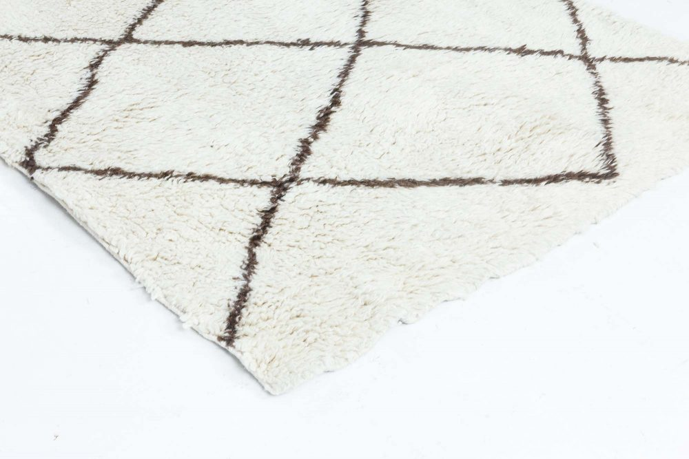 Moroccan Wool Runner with Tribal Geometric Design in Black and White N11780