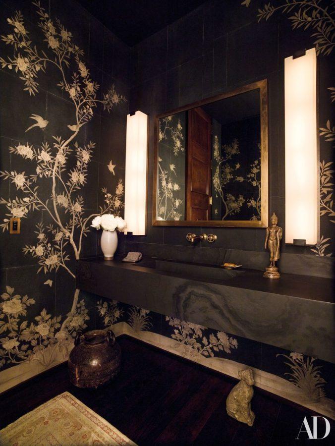 /oriental-rug-in-jennifer-anistons-bathroom