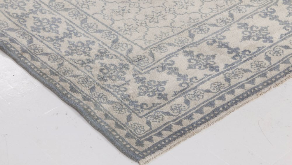 Indian Agra White and Indigo Blue Hand Knotted Cotton Rug BB6525