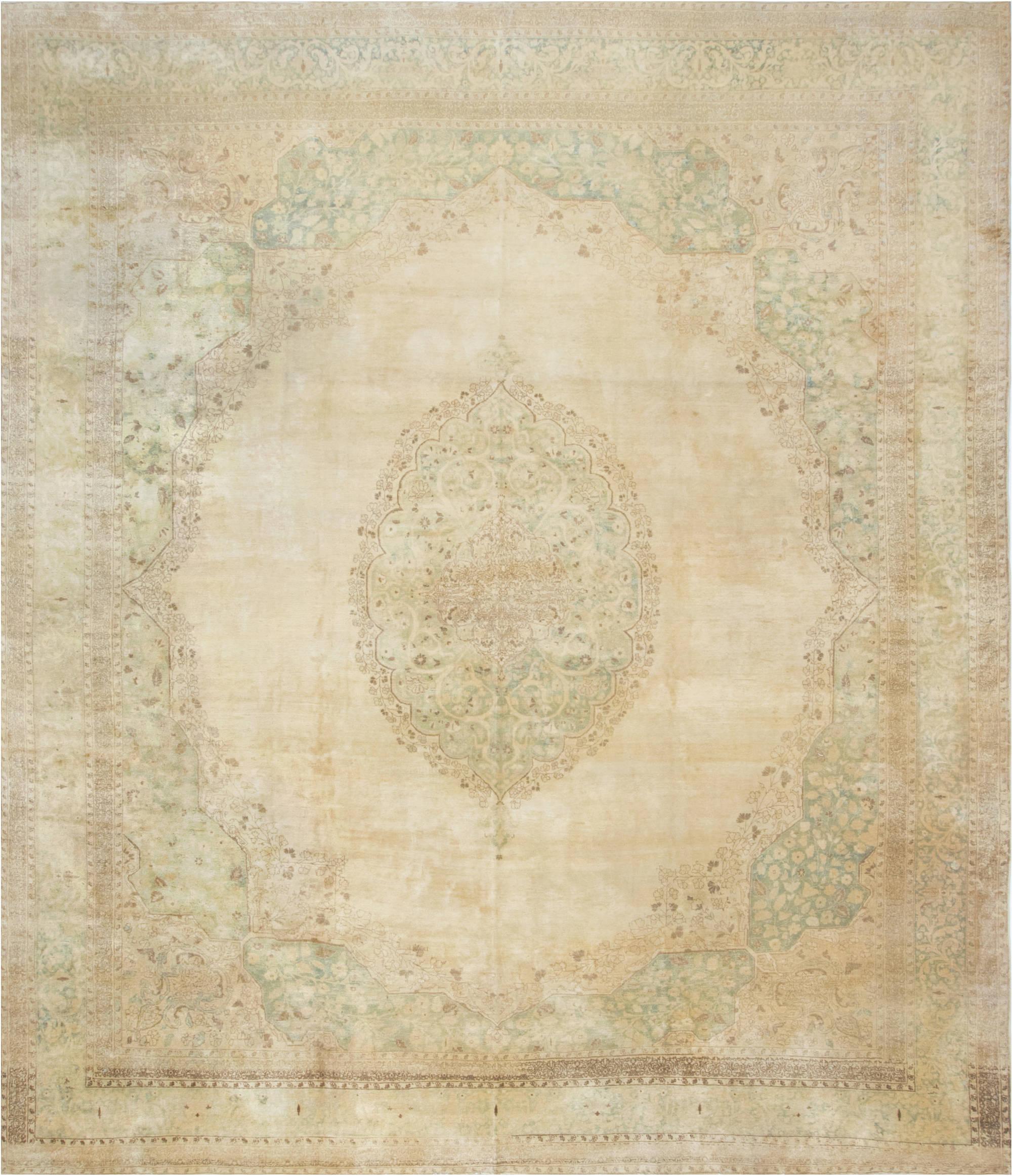 Antique Persian Tabriz Rug BB1534