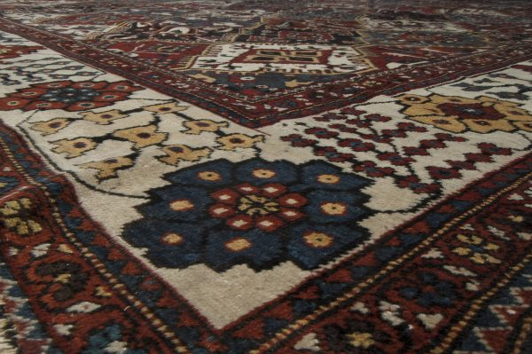 Antique Persian Bakhtiari Carpet BB3245