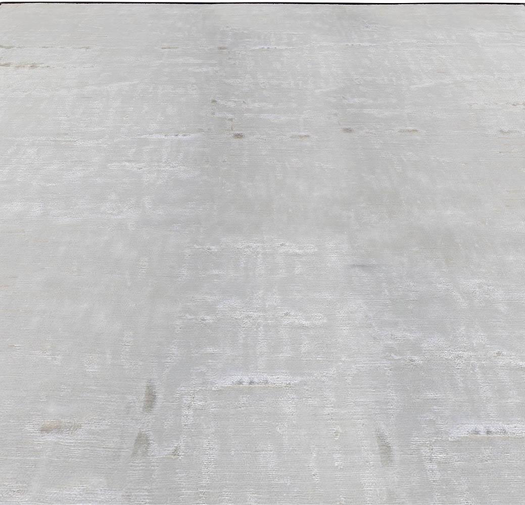 Modern Silver Gray Hand Knotted Banana Silk Rug N11343