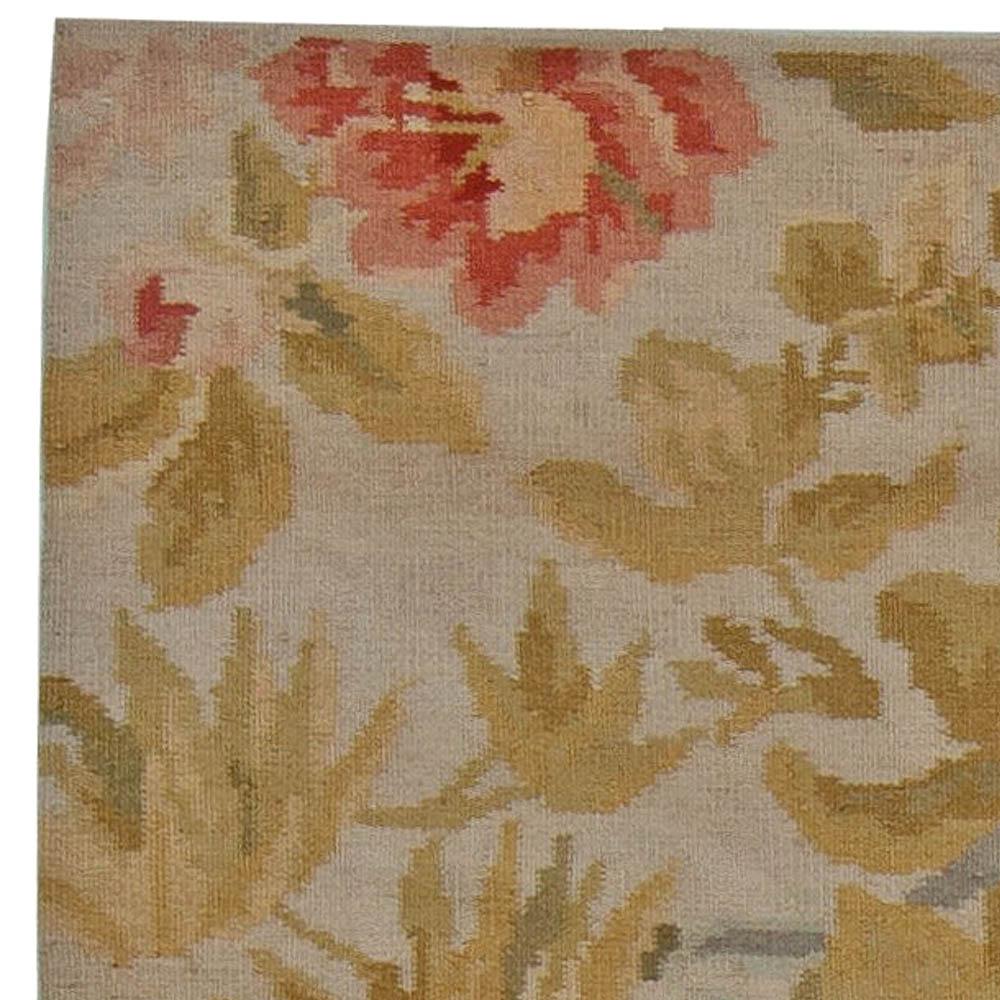 Contemporary Bessarabian Floral Handwoven Wool Carpet N11029